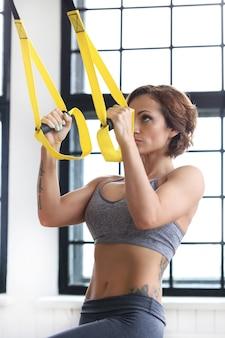 Dziewczyna na siłowni