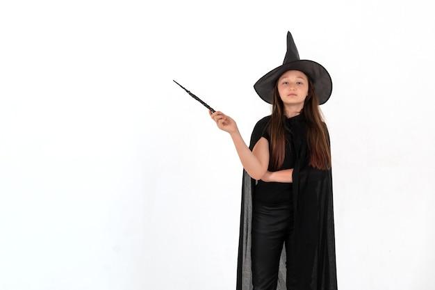 Dziewczyna przebrana za harry'ego pottera na halloween