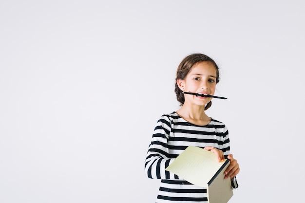 Dziewczyna rysunek strony z notebooka