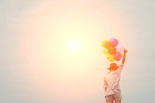 Dziewczyna z kolorowych balonów