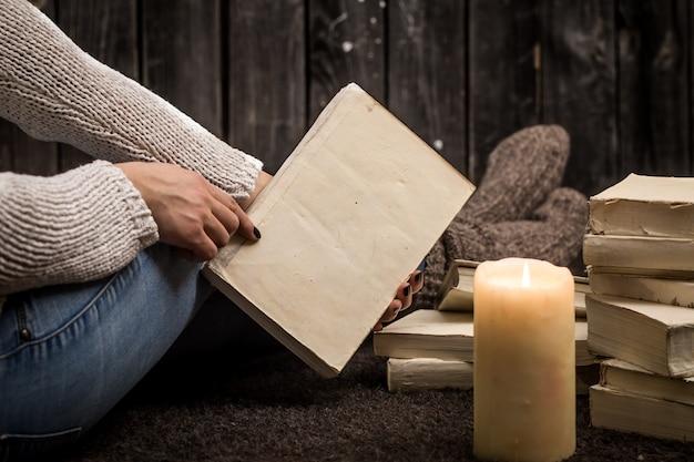 Dziewczyna z książkami