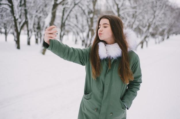 Dziewczyna z telefonem
