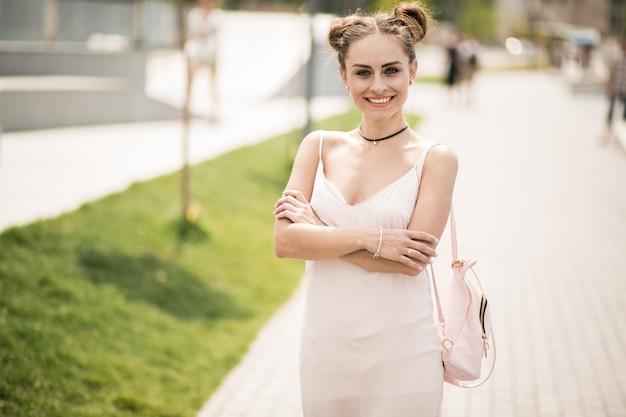 Dziewczynka w sukni