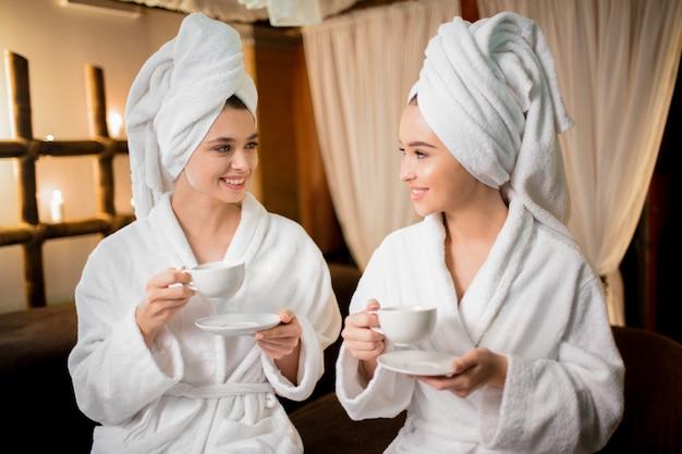 Dziewczyny w saunie