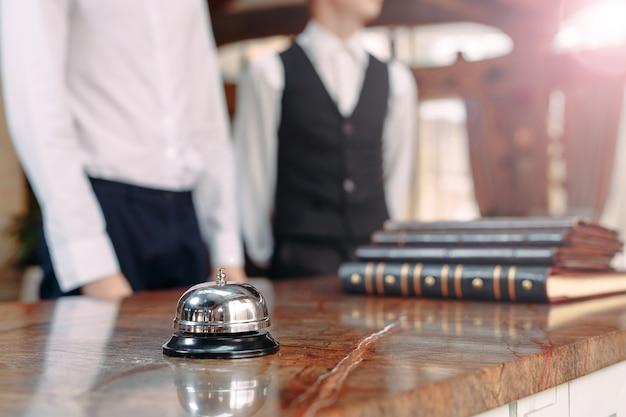 Dzwon obsługi hotelowej concept hotel