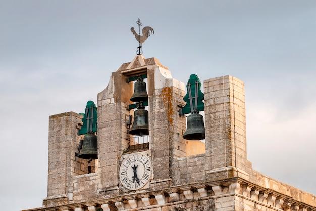 Dzwonnica kościoła se