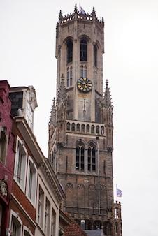 Dzwonnica w brugii w belgii punkt orientacyjny brugii