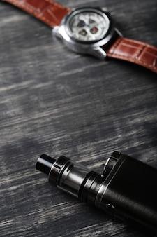 E-papieros z urządzeniem vaping