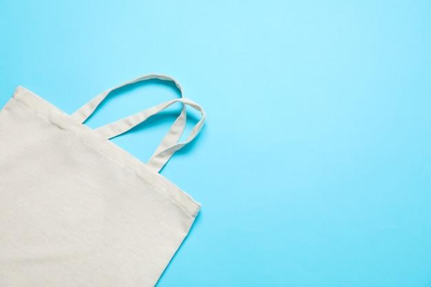 Eco torba na koloru tle