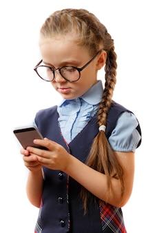 Edukacja, uzależnienie od telefonu, technologii, internetu, sieci społecznych, koncepcja nastolatków.