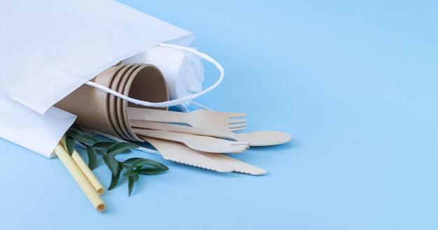 Eko biodegradowalna zastawa stołowa i sztućce w papierowej torbie