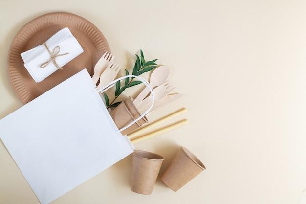 Ekologiczna, biodegradowalna zastawa stołowa z papieru i bambusa