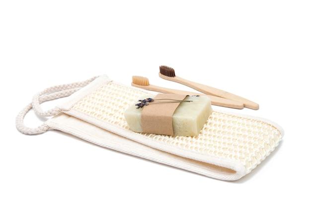 Ekologiczna naturalna gąbka do kąpieli, mydło i bambusowe szczoteczki do zębów