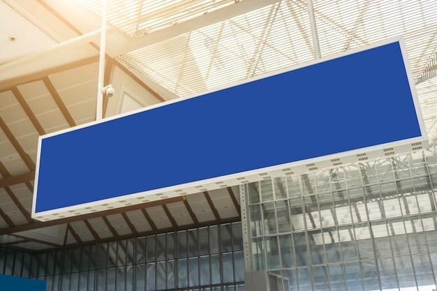 Ekran informacji o stacji lotniska