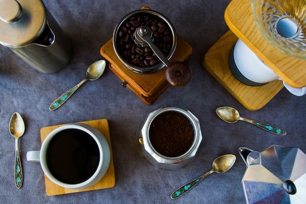 Ekspresy do kawy i fasole, filiżanka kawy