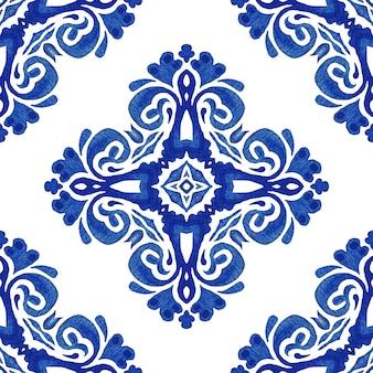 Eleganckie i luksusowe ręcznie rysowane tekstury tapet, tła i wypełnienia strony w kolorze niebieskim i białym