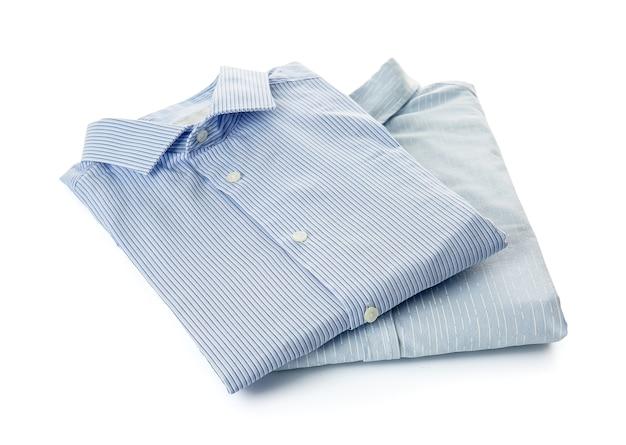 Eleganckie koszule męskie na białym tle
