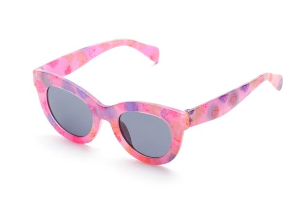 Eleganckie okulary z różową ramką na na białym tle