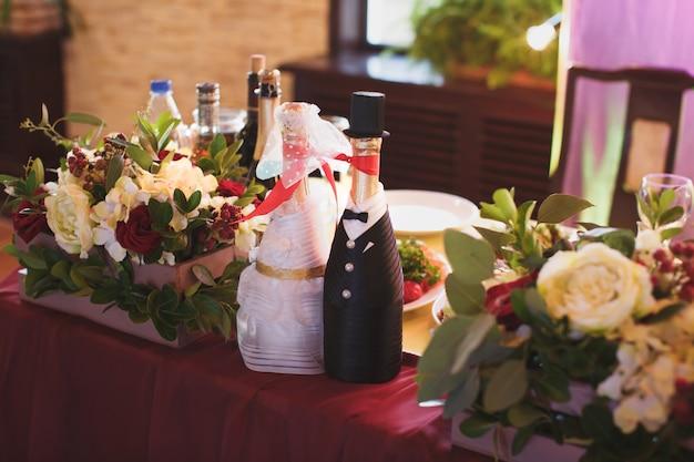 Eleganckie przyjęcie weselne w restauracji
