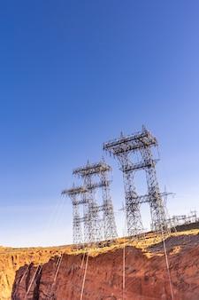 Elektrownia nad tamą