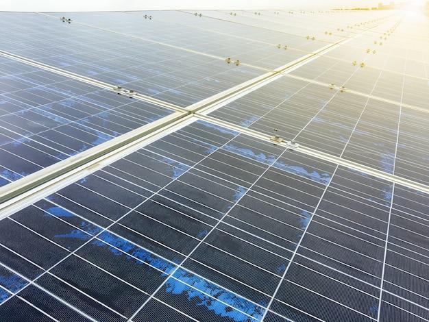 Elektrownia wykorzystująca odnawialną energię słoneczną ze słońcem