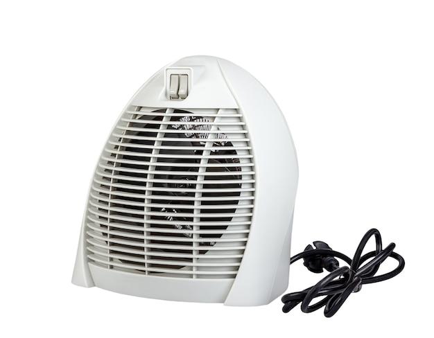Elektryczna nagrzewnica powietrza z wentylatorem na białym tle