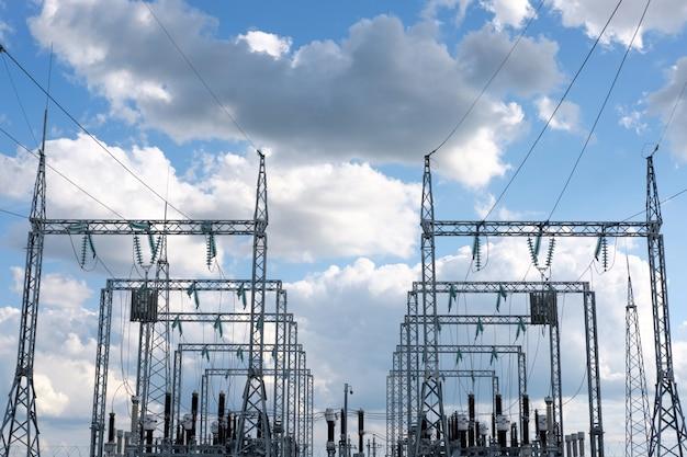Elektryczna stacja wysokiego napięcia