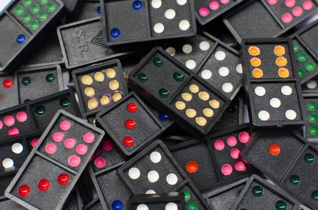 Elementy dominos
