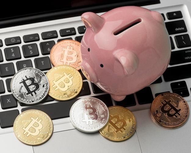 Elementy finansowe z skarbonką