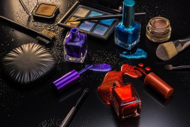 Elementy makijażu kobiet