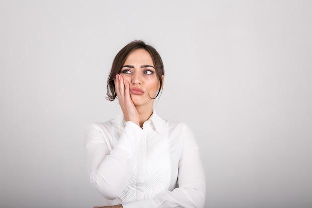 Emocje kobiety w studio