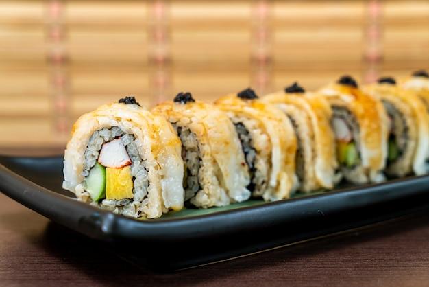 Engawa sushi roll - japońskie jedzenie