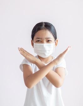 Epidemia grypy, koronawirusa lub covid-19 i pojęcie choroby