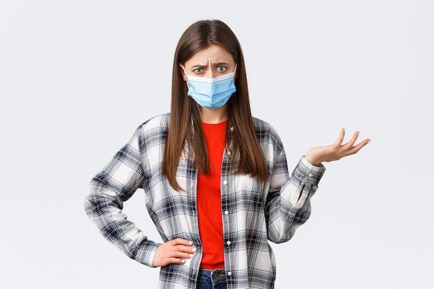 Epidemia koronawirusa, wypoczynek na kwarantannie, dystans społeczny i koncepcja emocji.