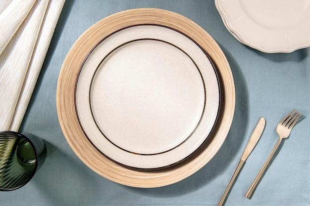 Estetyczne tło stołu obiadowego