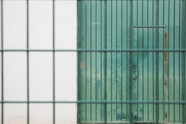 Fabryczne drzwi