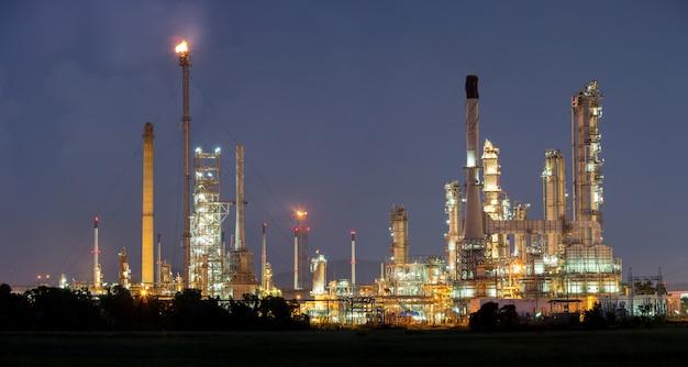 Fabryka rafinerii ropy naftowej