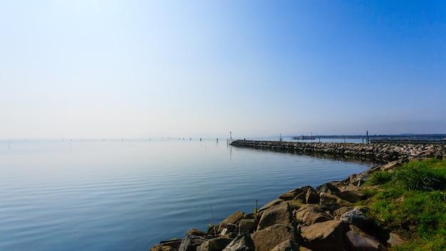 Falochron na morzu adriatyckim
