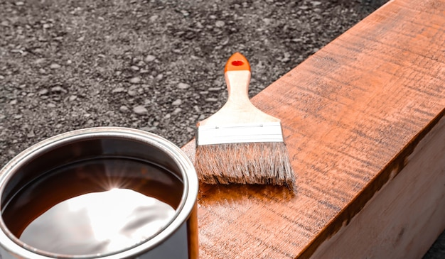 Farba do produktów drewnianych i pędzel do malowania domowego hobby powlekanie drewna farbami i lakierami