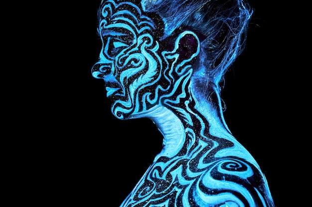 Farba neonowa kreatywny świecący portret uv