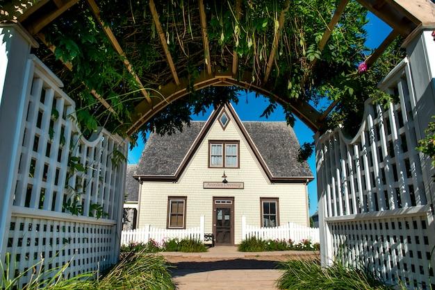 Fasada domu, avonlea, green gables, wyspa księcia edwarda, kanada
