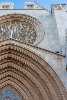 Fasada katedry tarragona, katalonia, hiszpania