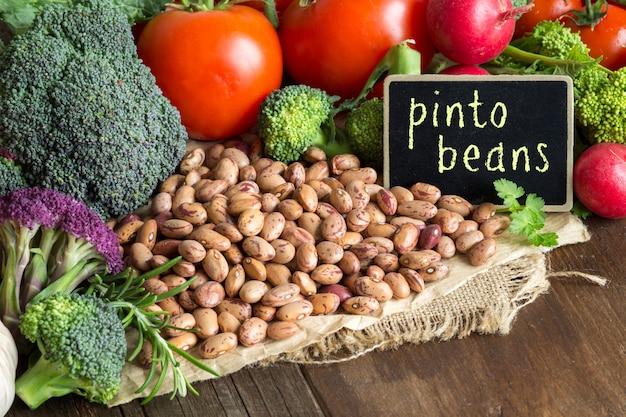 Fasola pinto i warzywa
