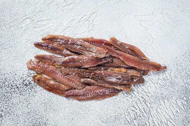 Filet rybny z anchois w puszce w oliwie z oliwek
