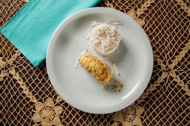Filet z plamiaka z ryżem kokosowym