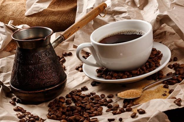Filiżanka do kawy i cezve do kawy po turecku