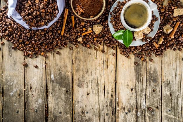 Filiżanka espresso z ziaren kawy