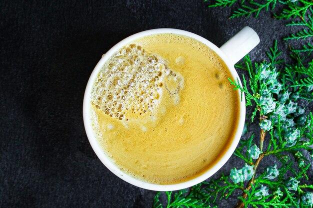 Filiżanka gorącej kawy, kakao lub gorącej czekolady