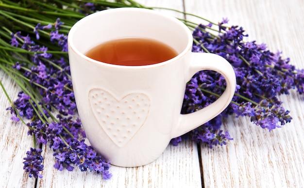 Filiżanka herbaty i lawendy