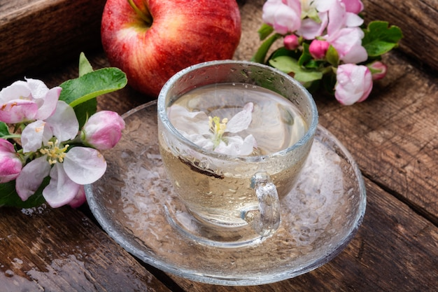 Filiżanka herbaty jabłkowej